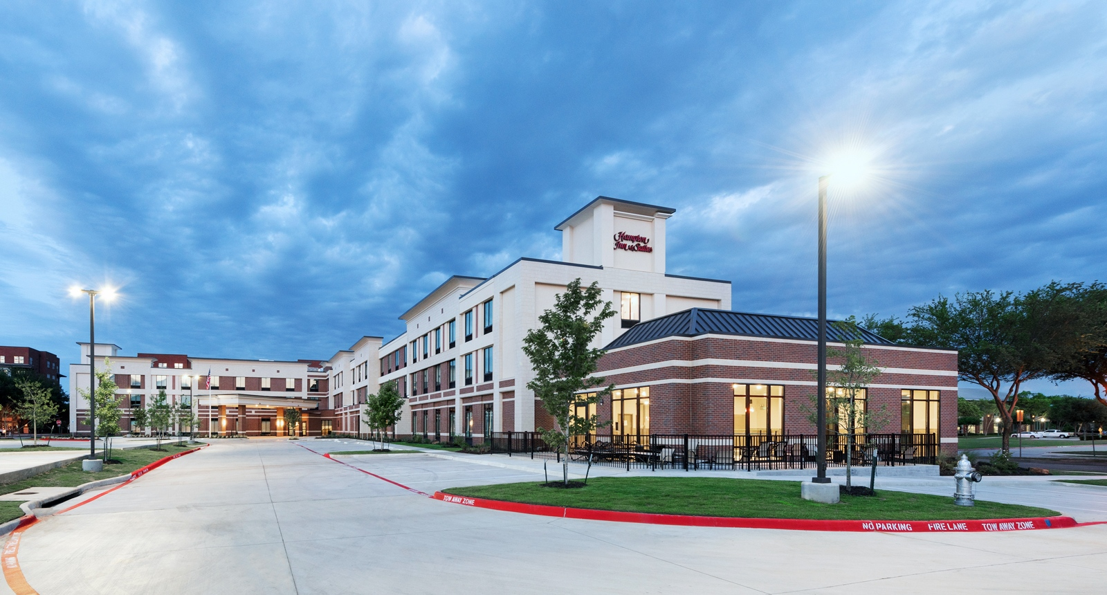 Keller Town Center Hampton Inn & Suites